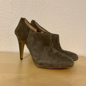 Banana Republic charcoal gray suede bootie heels